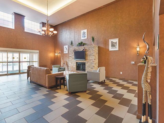 La Quinta Inn & Suites by Wyndham Glen Rose - Glen Rose - Lobby
