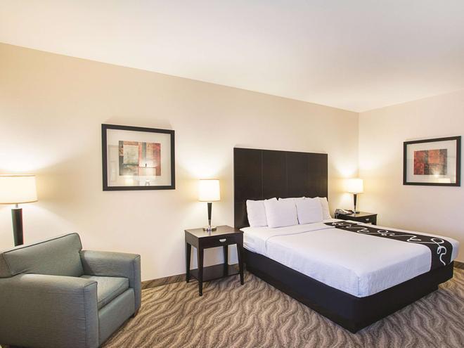 La Quinta Inn & Suites by Wyndham Glen Rose - Glen Rose - Schlafzimmer