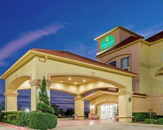 La Quinta Inn & Suites by Wyndham Glen Rose - Glen Rose - Budova