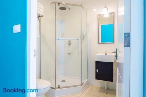 Bed & Bike Curacao Hotel - Willemstad - Bathroom
