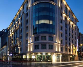 Radisson Blu Hotel, Istanbul Sisli - Istanbul - Building