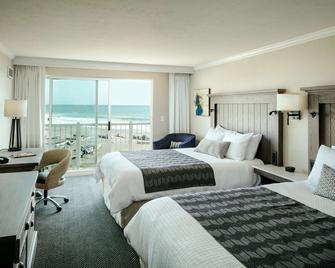 Beachfront Inn - Brookings - Schlafzimmer