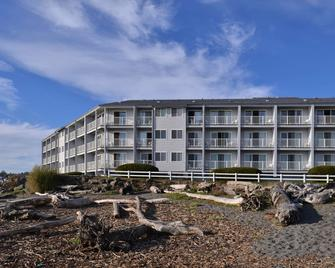 Beachfront Inn - Brookings - Building