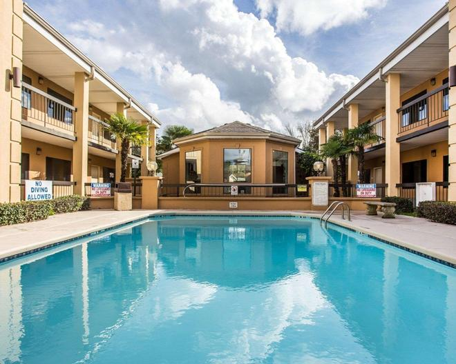 Suburban Extended Stay Hotel - Florence - Pool