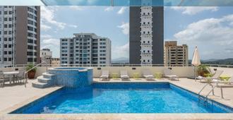 Tryp By Wyndham Panama Centro - Panama Stadt - Pool