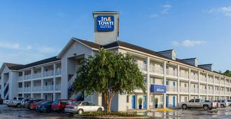 Intown Suites Extended Stay Jacksonville Fl - Beach Blvd - Jacksonville - Building