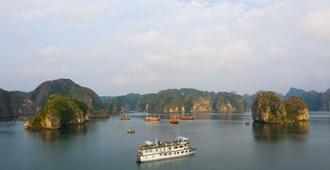 Azela Cruise - Haiphong