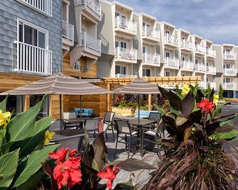 Rockland Harbor Hotel - Rockland - Terasa