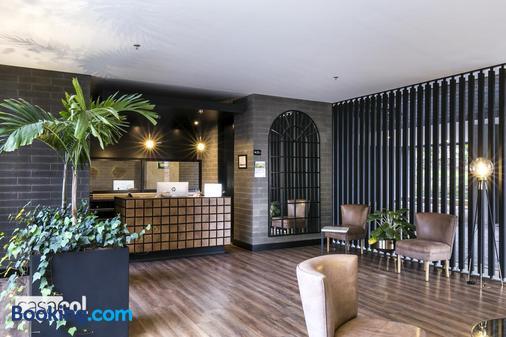 Apartamentos Loma Verde - Medellín - Front desk