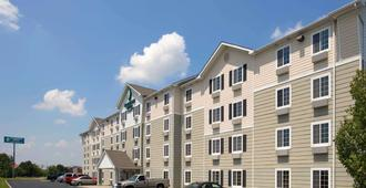 Woodspring Suites Evansville East - Evansville