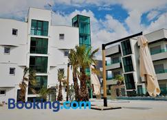 Boutique Residence Cosmopolis - Bibinje - Bygning