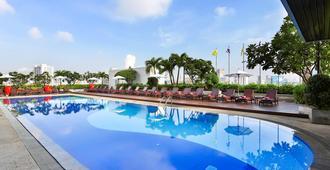 Eastin Hotel Makkasan Bangkok - Bangkok - Piscina