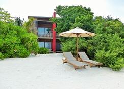 The Barefoot Eco Hotel - Hanimaadhoo - Patio