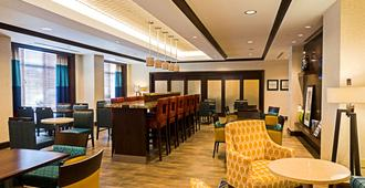 Hampton Inn by Hilton Ottawa Airport, ON, CN - Ottawa - Restaurante