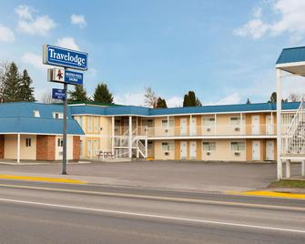 Travelodge by Wyndham Quesnel - Квеснел - Building
