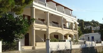 Oasis Hotel - Masouri