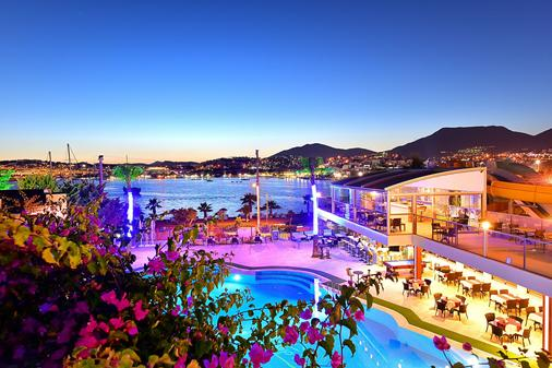 Tropicana Beach Hotel - Bodrum - Pool