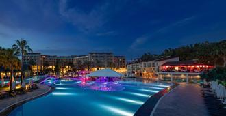 Arum Barut Collection - Side - Pool