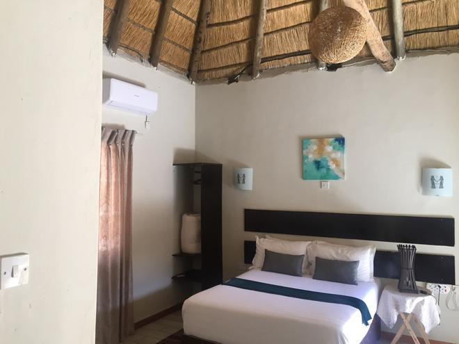 Shakawe Sands Lodge - Shakawe - Bedroom