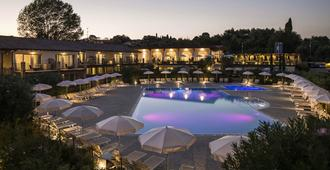 Resort Lake Garda - Moniga del Garda - Pool