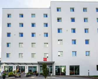 Ibis Fribourg - Granges-Paccot - Building