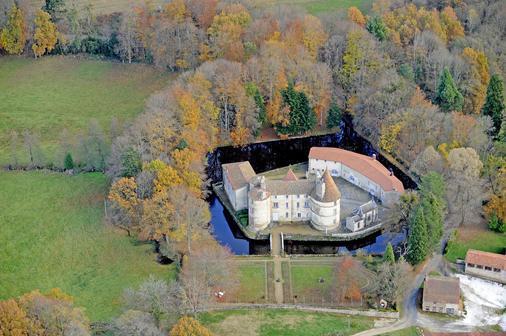 Chateau Des Martinanches - Saint-Dier-d'Auvergne