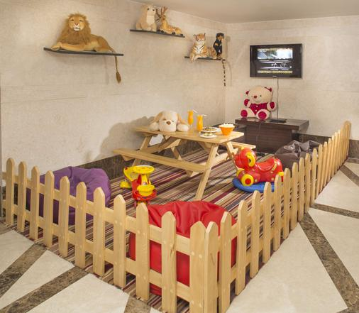Country Inn & Suites By Radisson, Mysore - Mysore - Buffet