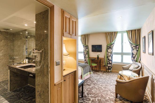 La Perle - Paris - Phòng khách