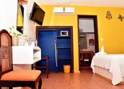 Hotel Mary Carmen - Cozumel - Building