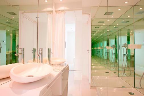 BLC Design Hotel - Paris - Phòng tắm