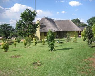 Impangele Lodge - Muldersdrif - Building