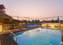Fort Abode - Kochi - Pool