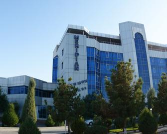 Hotel Meridian - Termez - Building