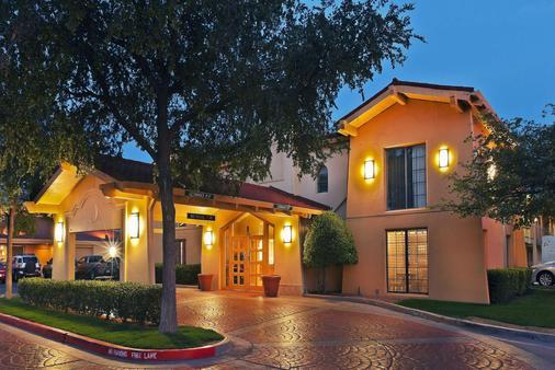 La Quinta Inn by Wyndham Amarillo Mid-City - Amarillo - Building