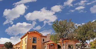 La Quinta Inn by Wyndham Amarillo Mid-City - Amarillo - Toà nhà
