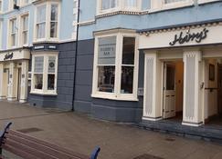 Harry's Hotel - Aberystwyth - Building