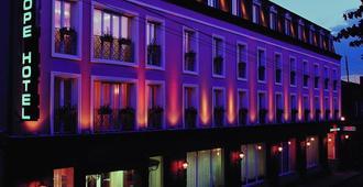 ヨーロッパ ホテル - エレバン - 建物