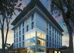 Artotel Surabaya - Surabaya - Building
