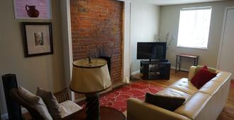 Discounted! 1640 Franklin Spacious, Comfort Quiet Neighborhd, Walk/Bike Dwntwn - Denver - Wohnzimmer