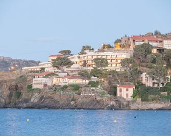 Pierre & Vacances Résidence Les Balcons de Collioure - Colliure - Vista del exterior