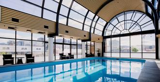 Hotel Grand Chancellor Hobart - Hobart - Pool