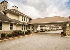 Rodeway Inn & Suites On The River - Cherokee - Byggnad