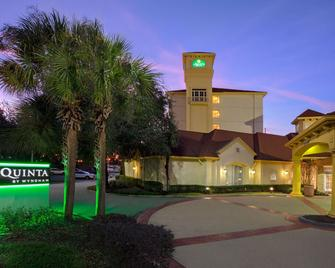La Quinta Inn & Suites by Wyndham Ocala - Ocala - Building