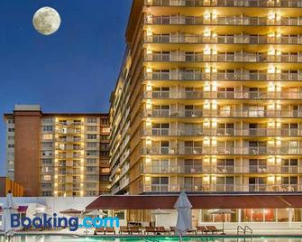 Marco Polo Oceanview By Weownthebeach - Санні-Айлс-Біч - Building