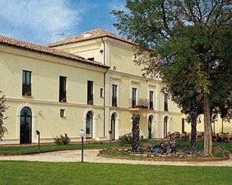 Casale Delle Arti - Mosciano Sant'Angelo - Gebäude