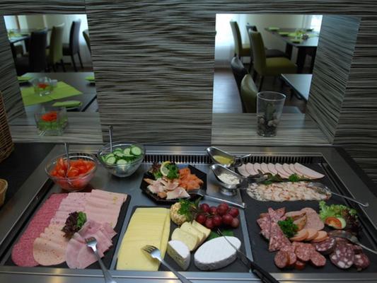 馬格德堡古典酒店 - 馬德堡 - 馬格德堡 - 自助餐