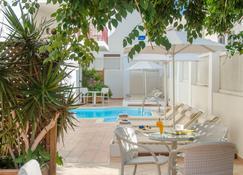 Aeolis Boutique Hotel - Наксос - Бассейн