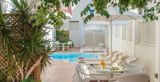 伊奧利亞酒店 - 納克索斯島 - 拿索斯城 - 游泳池