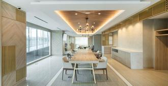 Harris Suites Puri Mansion - Jakarta