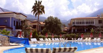 Ova Resort Hotel - פטהייה - בריכה